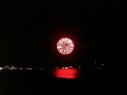 001-firework.jpg