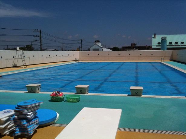 001-pool.jpg
