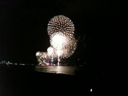 002-firework.jpg