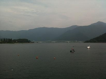 003-lake.jpg