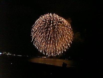 005-firework.jpg