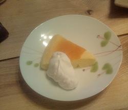 チーズケーキ盛りつけ