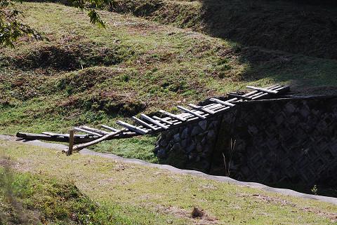 危ない木橋が