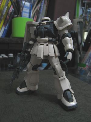 F2zaku.jpg