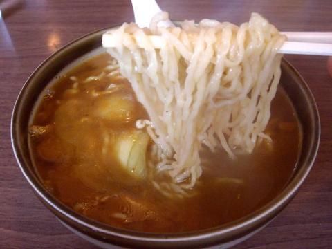 更科・カレーラーメン麺