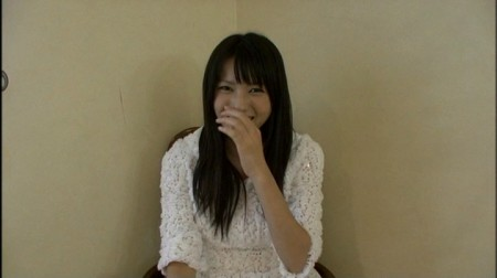 思い出し笑いをしてしまう舞美ちゃん。