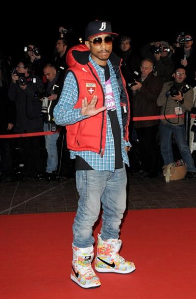pharrell-nrj-awards10.jpg