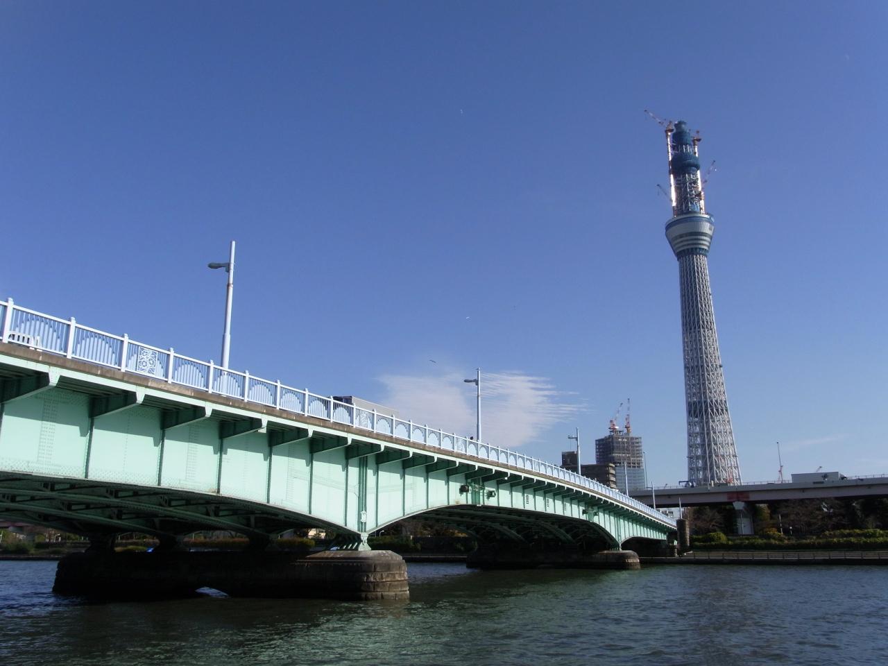 言問橋とスカイツリー(2010年12月)