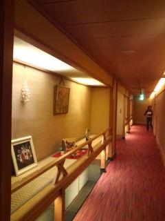 廊下のディスプレイ