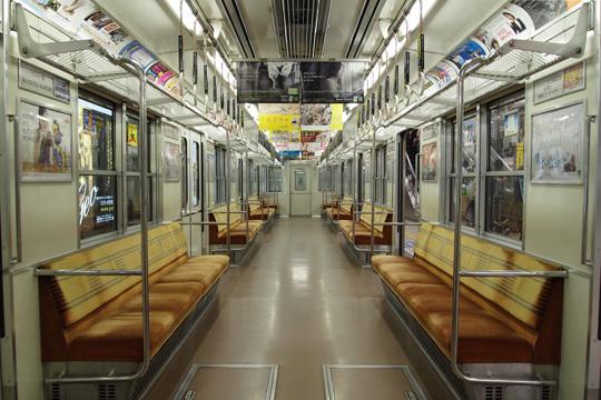 20100418_osaka_subway_10-in01.jpg