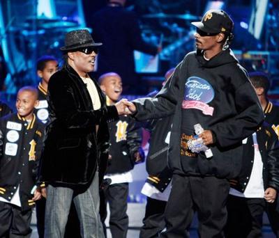 Snoop Dogg- Feet Dont Fail Me Now (Ft. Charlie Wilson  Nelly)