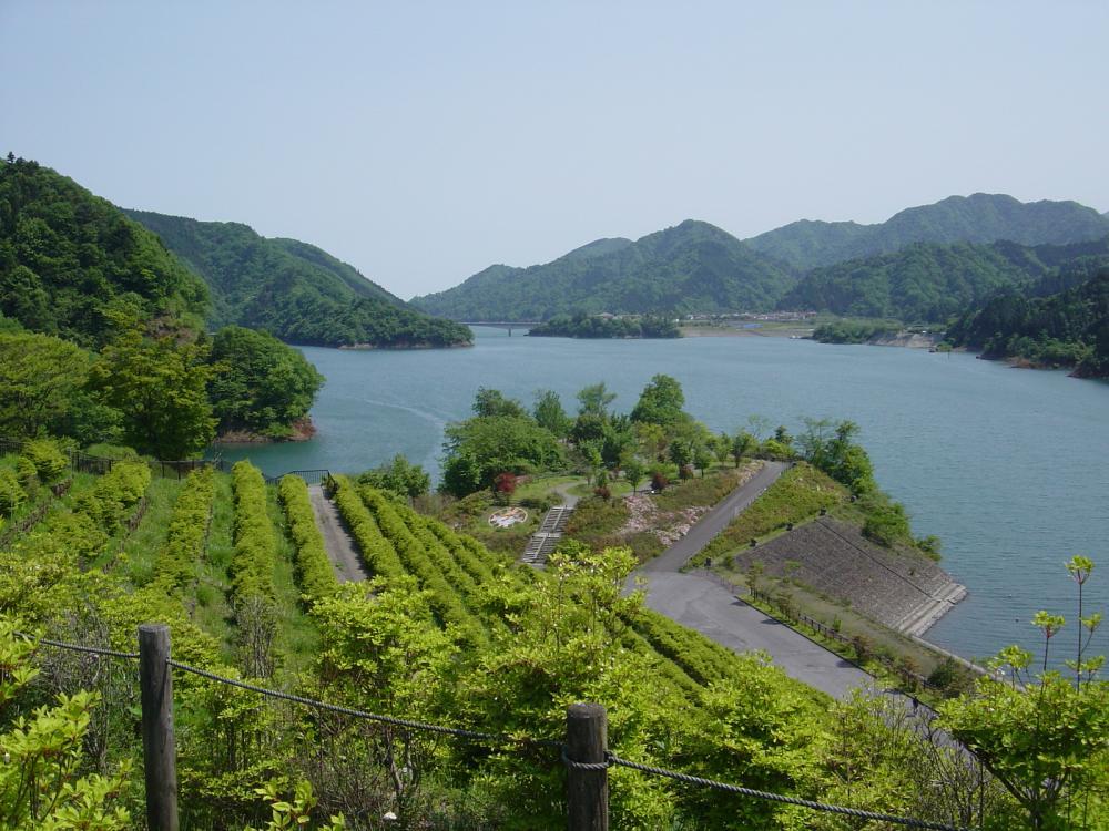 宮が瀬湖②
