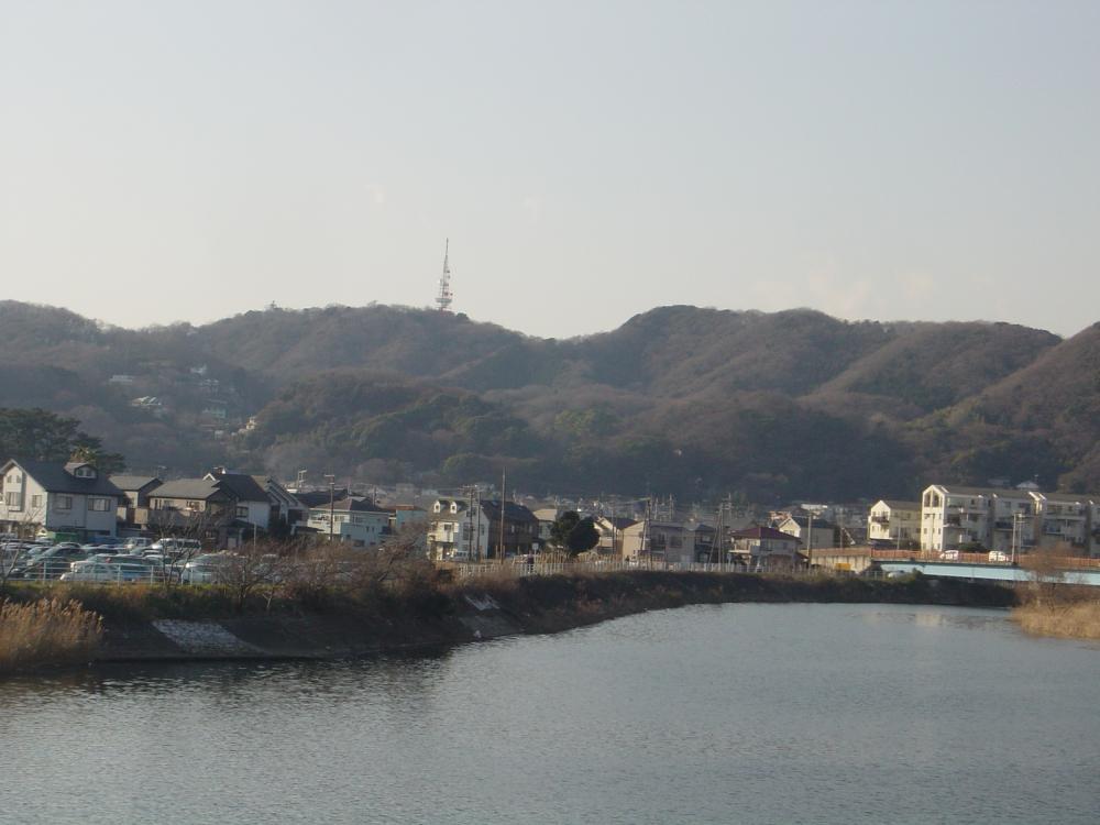湘南平と花水川
