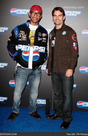 jeff_gordon_and_pharrell_williams_04pSyEASTER.jpg