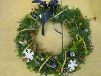 how to make christmas wreath