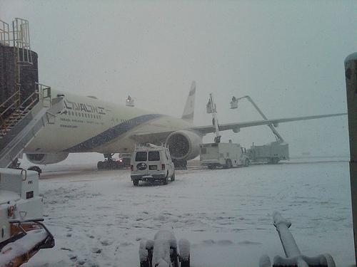 SNOW LY