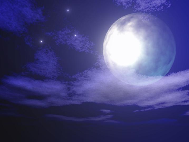 雲にかかる月