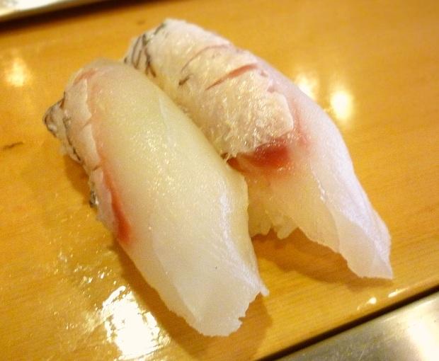『栄寿司』たい昆布〆(1貫100円)