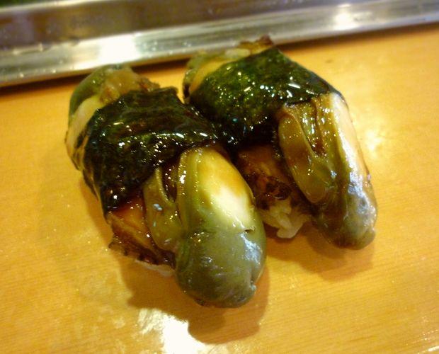 『栄寿司』とこぶし(1貫200円)
