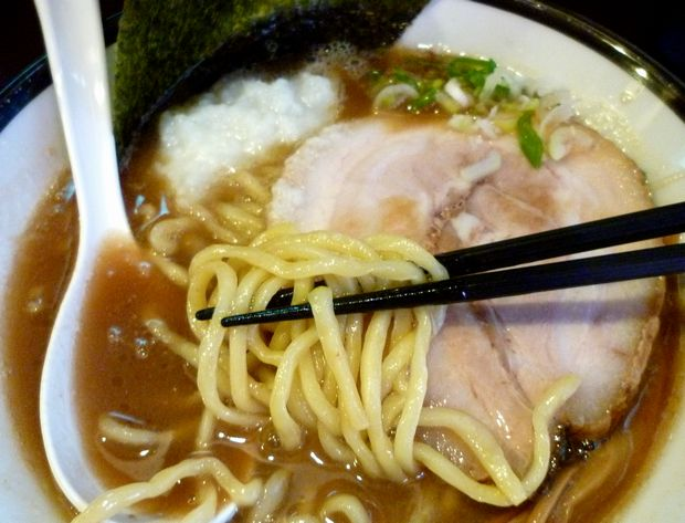 『らーめん ほしの』麺リフト