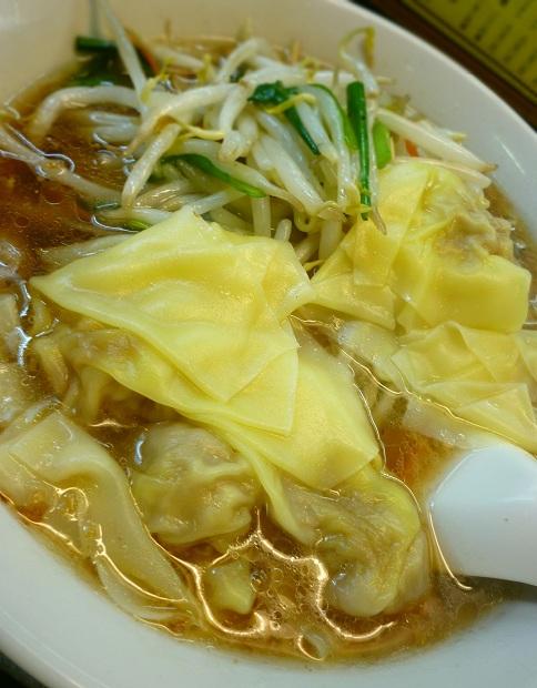 『喜楽』もやしワンタン麺(アップ)