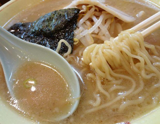 『ホープ軒本舗 吉祥寺店』 中華そば(麺・スープ)