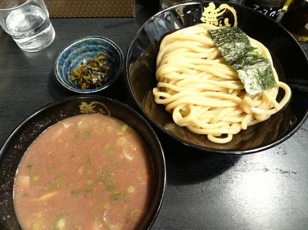 『無鉄砲つけ麺 無極』豚骨つけ麺(中・約300g)800円