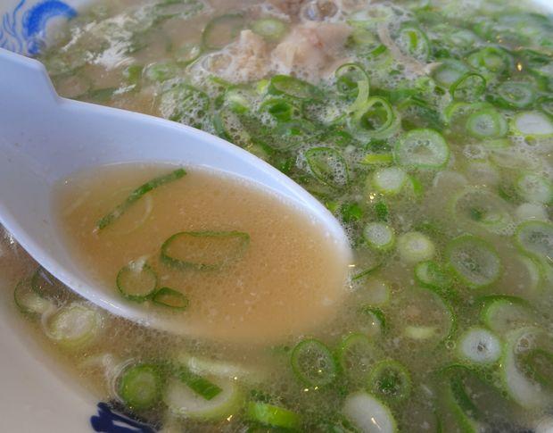 『名物元祖長浜ラーメン 長浜屋台』ラーメン(スープ)