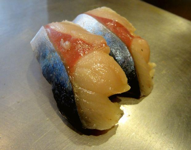 『栄寿司』鯖(1貫100円)