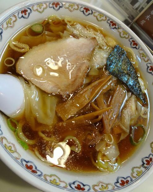 『春木屋 吉祥寺店』わんたん麺(アップ)