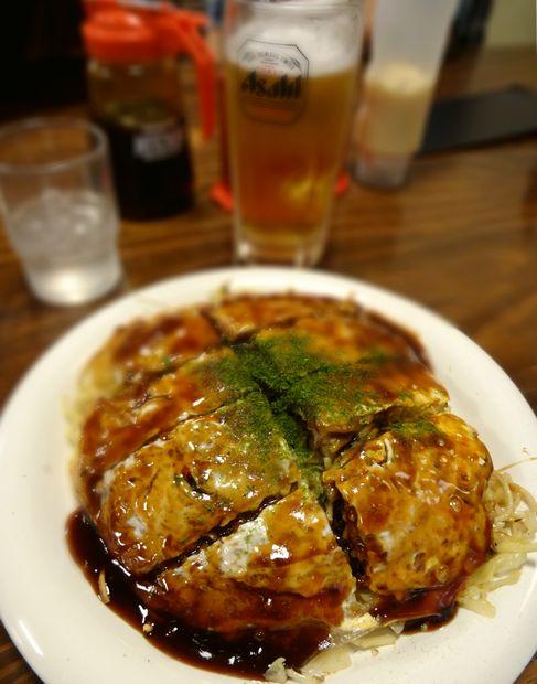 『みっちゃん総本店』カキ入りそば肉玉子(アップ)