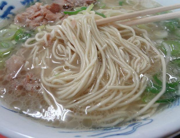 『元祖長浜屋』ラーメン(カタ麺リフト)