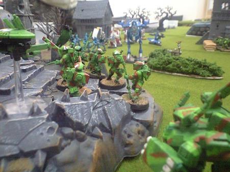 n.戦場を見下ろす丘にファイアウォリアーが展開する