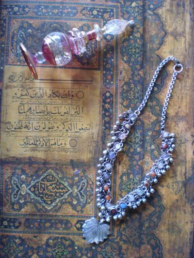 コーランと天然石ネックレス ヘリダ