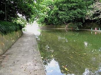 龍潭公園の遊歩道