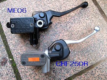 ME06とCRF250RのFマスターシリンダー比較