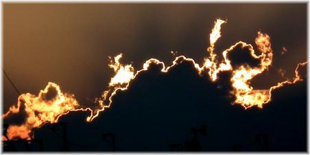 110910H 030雲縁