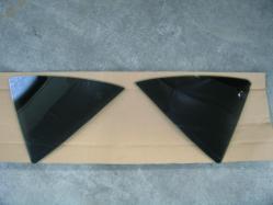 プレミオ三角窓