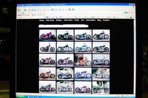 SR400等のバイクカスタムからペイント・パーツ製作なら愛知県東郷町のFLAKESへ         ギャラリー