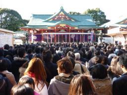 日枝神社はかなりの混雑