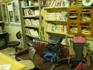 20100702岡大山岳部部室4