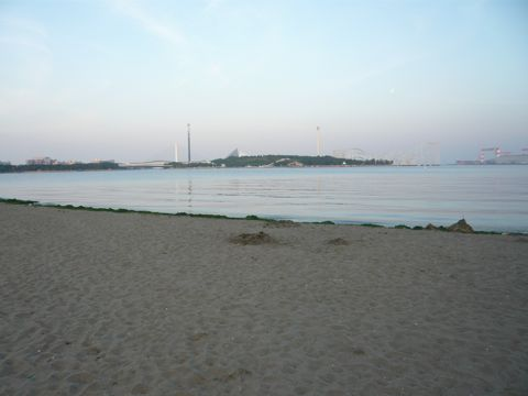 P1060839夕暮れの海公園