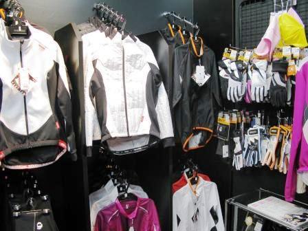 初めてのサイクルジャージの選び方人気ブランドやおすすめウェアをご紹介  暮らしのクラシーノ