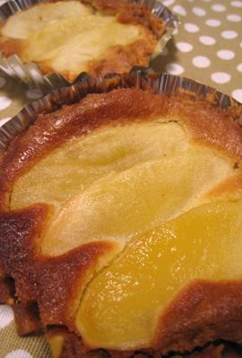 西目りんごのタルト風ケーキ