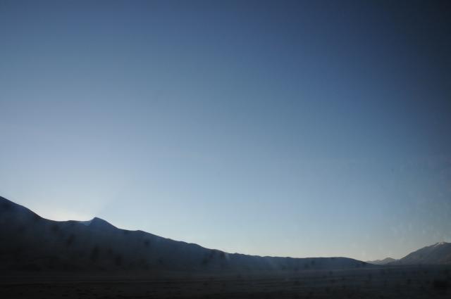 ヒマラヤ砂漠の夜明け