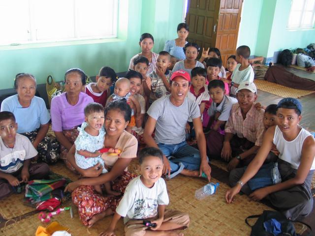 ミャンマーの家族