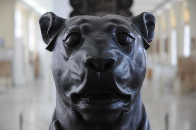 アケメネスの黒い犬