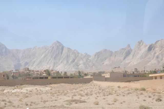 砂漠の中の小さな集落