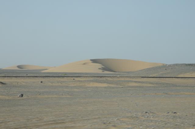 ひたすら砂漠を走る