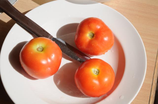 強い味のトマト